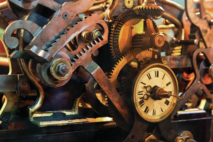 Old clock mechanisms: Jose Ignacio Soto/Shutterstock.com